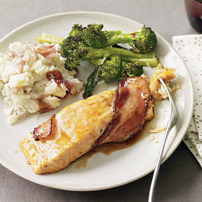 bacon-wrapped-salmon-with-broccoli-and-mashed-potatoes